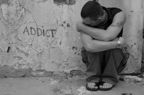 Ναρκωτικά: Σφάλμα των νέων ή διαφθορά τηςκοινωνίας;